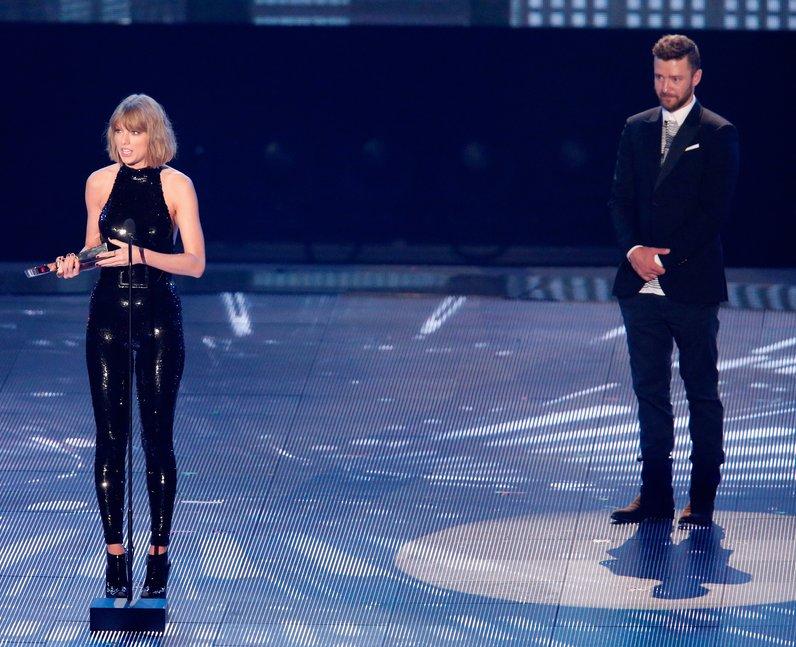 Taylor Swift Justin Timberlake at iHeart Music Awa