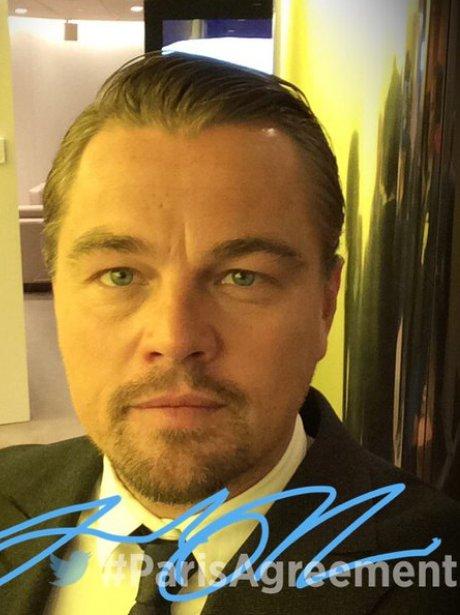 Leonardo DiCaprio poses for selfie for the UN