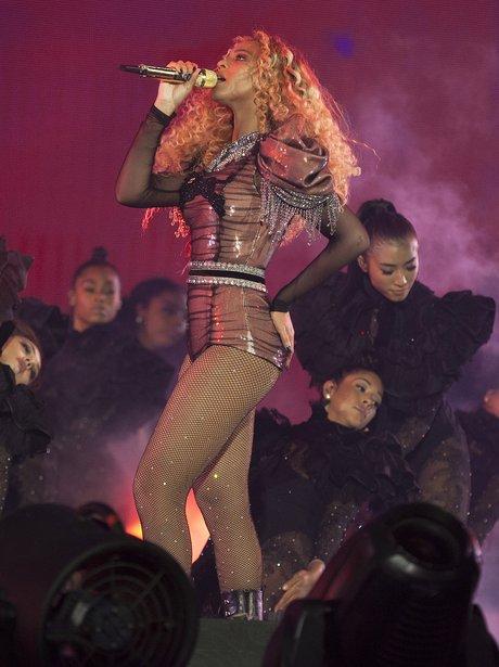 Beyonce on tour 2016