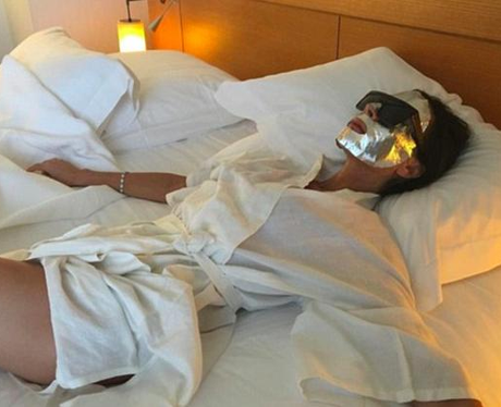 Victora Beckham pampers herself with a foil face m
