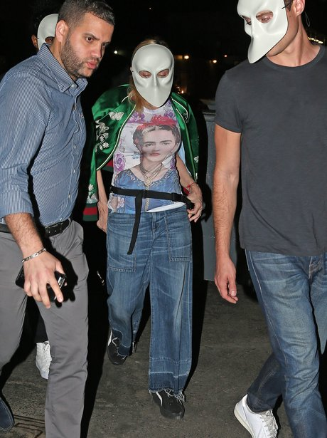 Madonna sneaks out of theatre and tries to go inco
