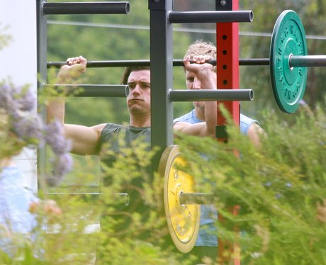 Orlando Bloom works out