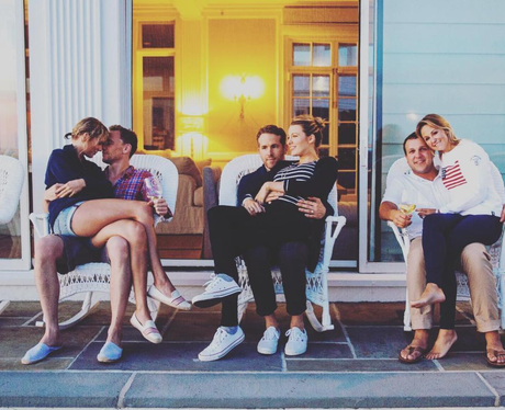 Taylor, Tom, Ryan, Blake, Brittany and Ben cosy up
