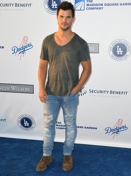 Taylor Lautner attends charity event 2016