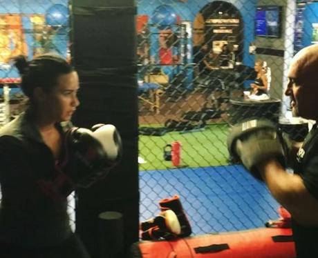 Celebs Boxing Demi Lovato
