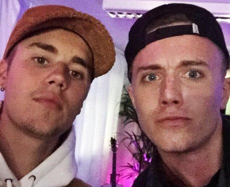 Justin Bieber & Roman Kemp selfie