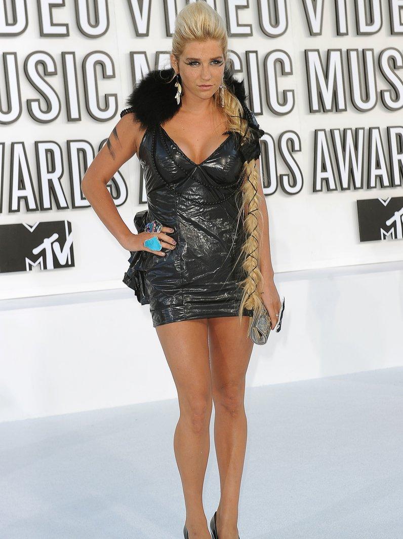MTV VMA's crazy outfits Kesha