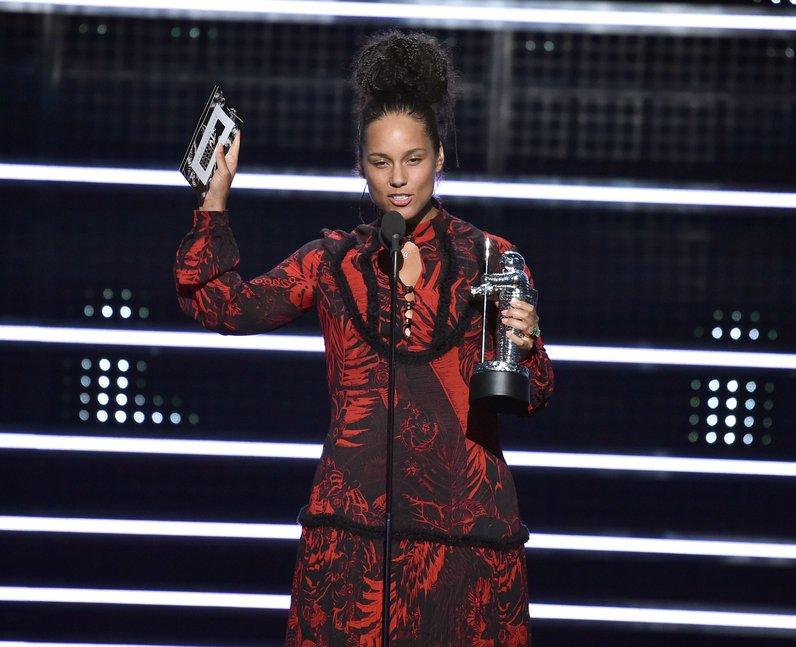 Alicia Keys Award MTV VMAs 2016
