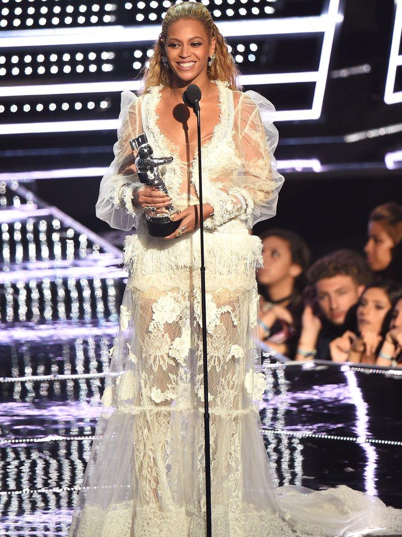 Beyonce Award Acceptance MTV VMAs 2016