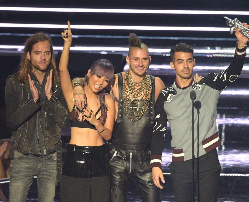 DNCE Award Acceptance MTV VMAs 2016