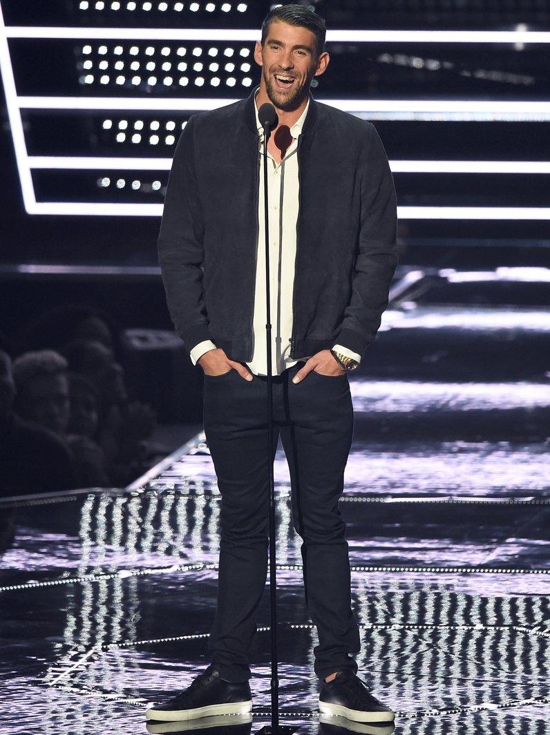 Michael Phelps introduces Future MTV VMAs 2016