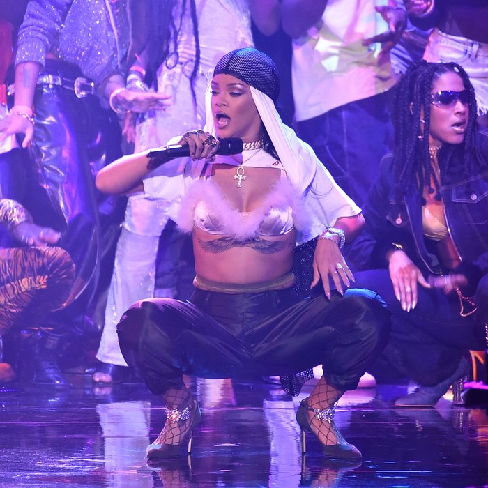 Rihanna Twerk Video To T Pain Up Down: MTV VMAs 2016: Watch All The BEST Live Performances Inc