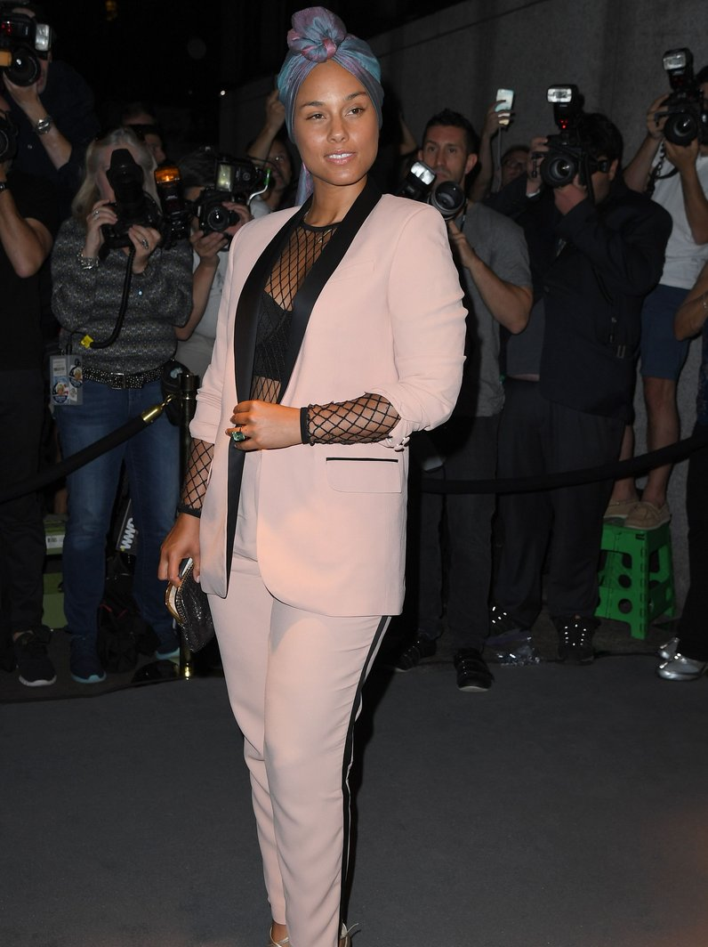 84e0b5c4498d Alicia Keys - Tom Ford - The Best Looks From The FROW During SS17 ...