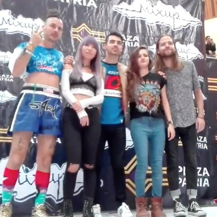 DNCE meet and greet