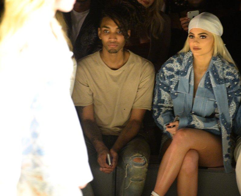 Fashion Week SS17 Kylie Jenner FROW Jonathan Simkh