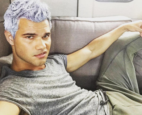 Taylor Lautner dyes his hair purple