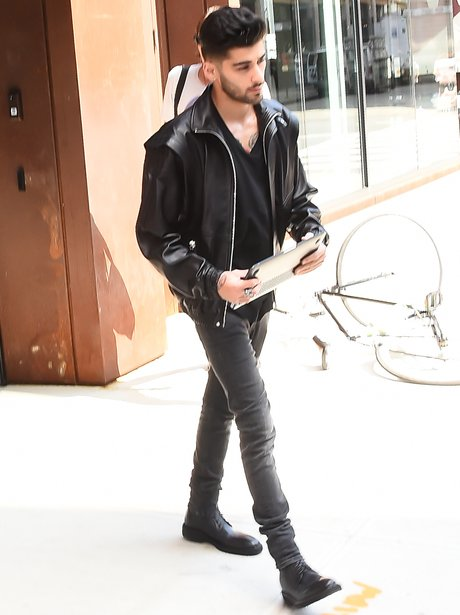Zayn Malik opts for all black as he leaves the stu