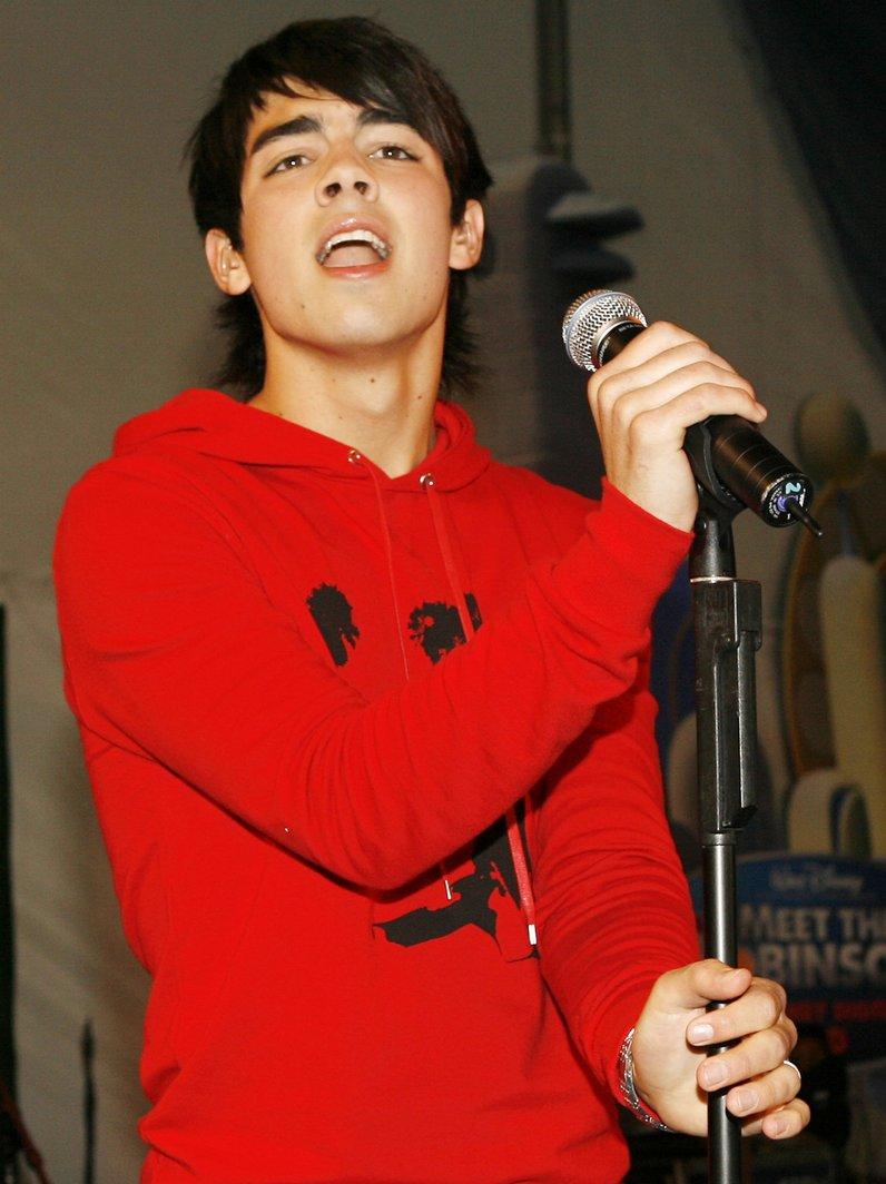 Joe Jonas Transformation