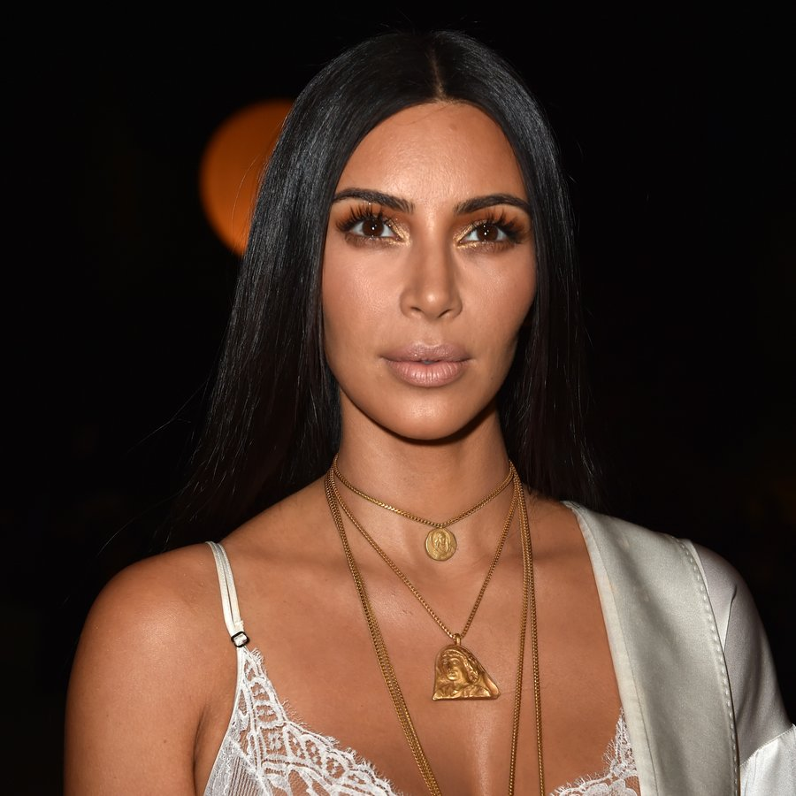 Kim Kardashian Givenchy : Front Row - Paris Fashion Week Womenswear Spring/Summer 2017