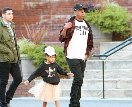 Jay-Z and Blue Ivy head for dinner