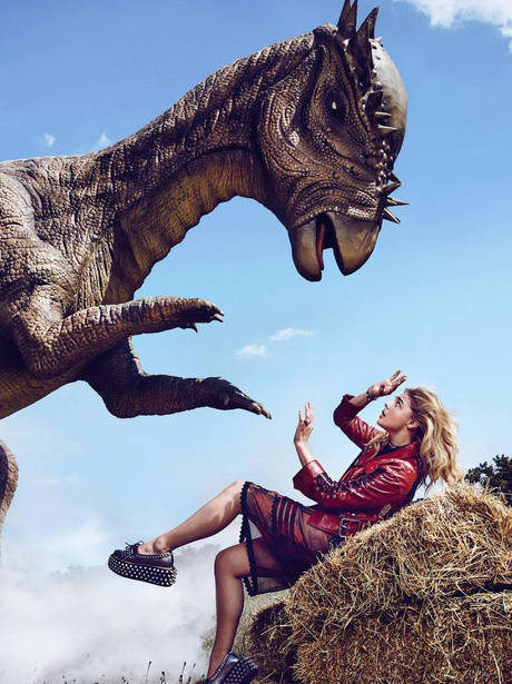 Chloe Grace Moretz poses for Jurassic Park themed