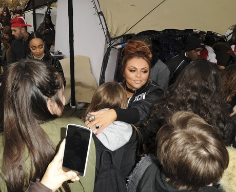 Jesy Nelson continues to not wear her engagement r