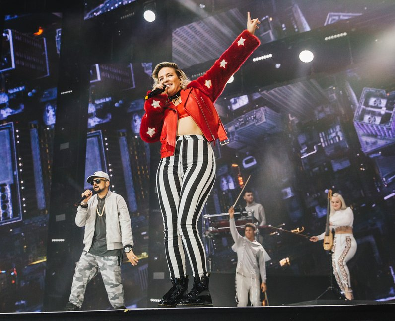 Clean Bandit Anne-Marie Sean Paul Jingle Bell Ball