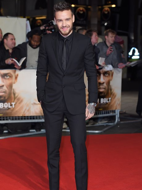 Liam Payne walks the red carpet without girlfriend