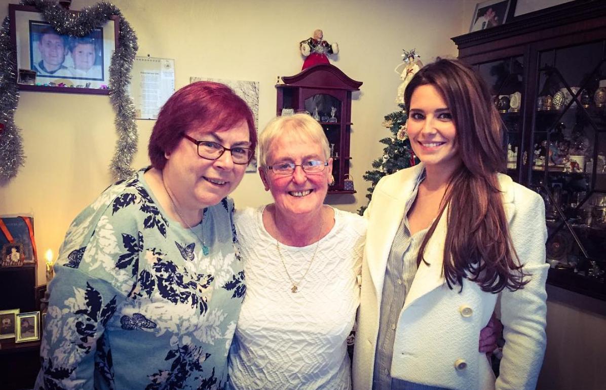 Cheryl Visiting Fan