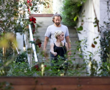 Lady Gaga and Bradley Cooper hang out before filmi