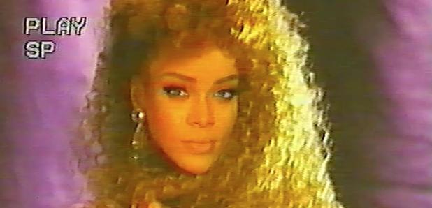 download Rihanna version artists