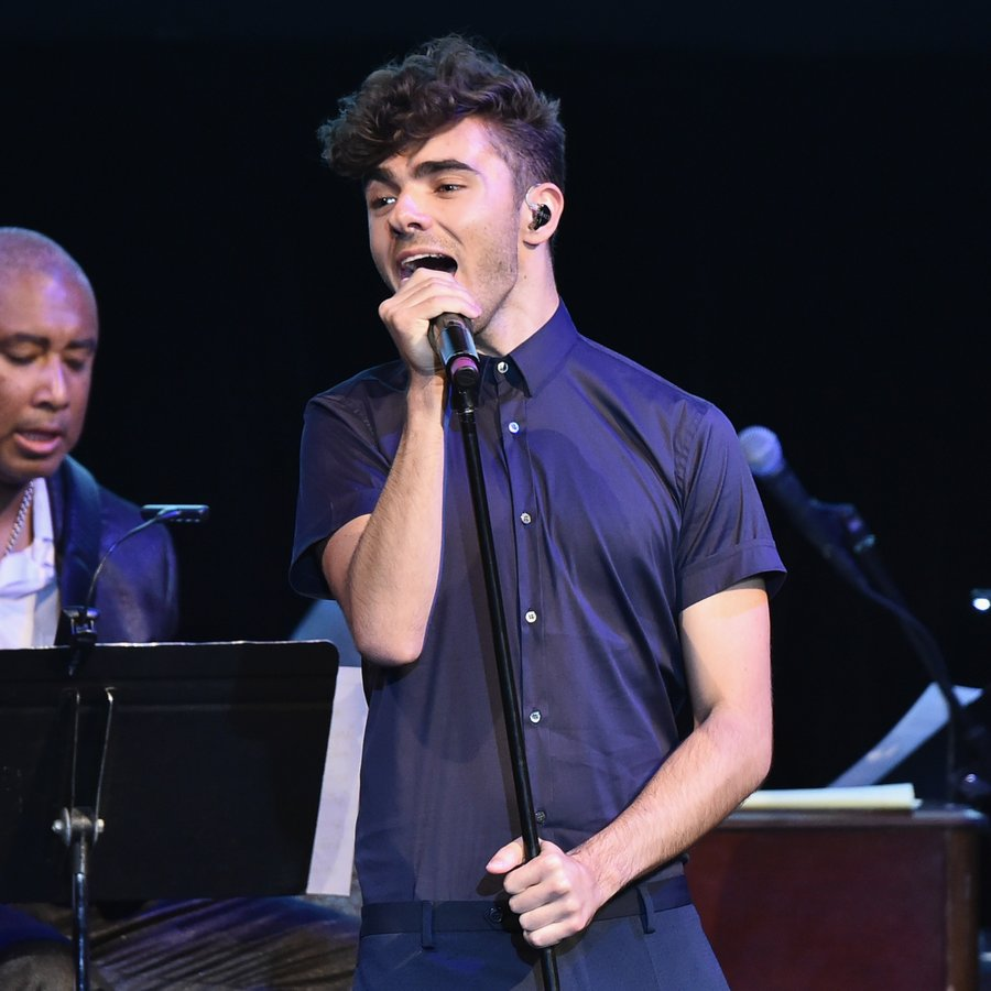 Nathan Sykes Performing Live
