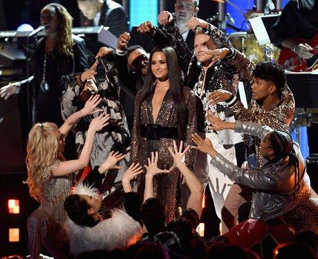 Demi Lovato Grammy Awards 2017