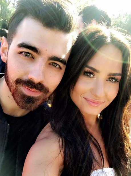 Joe Jonas poses for a selfie with ex girlfriend, D
