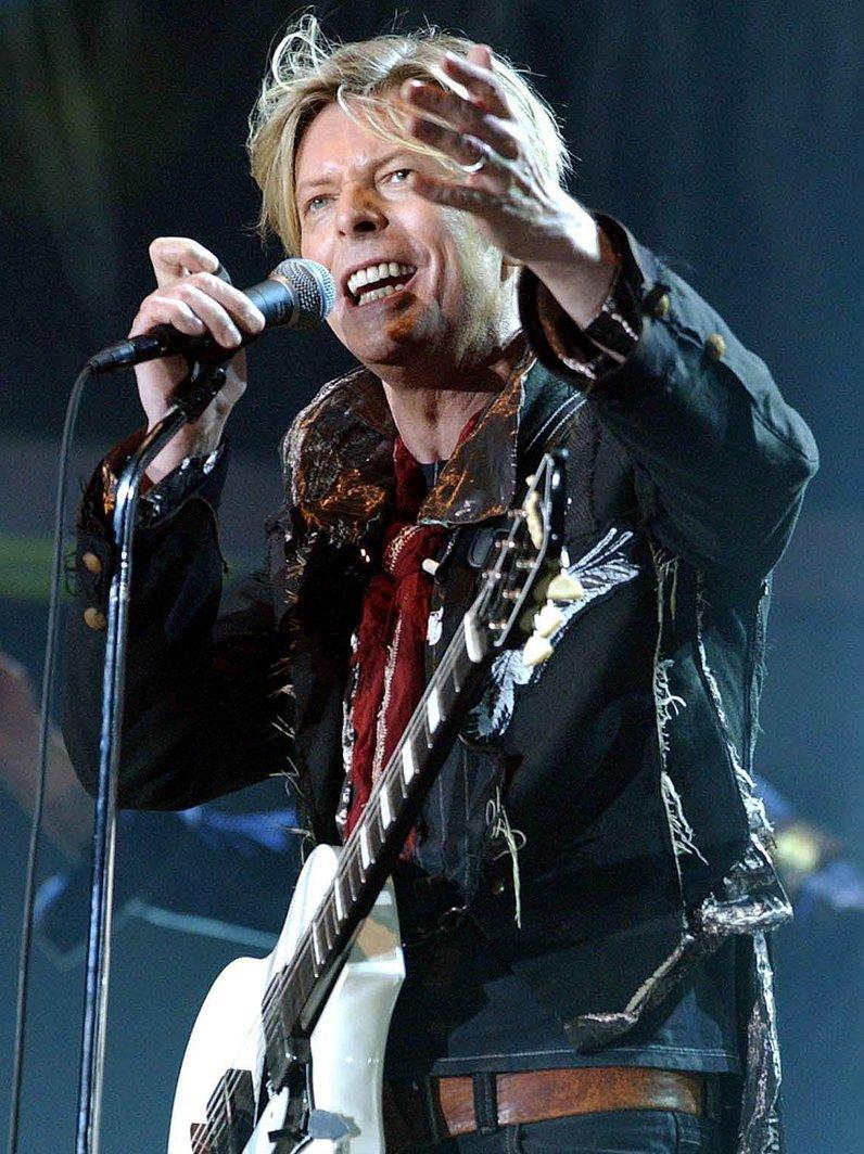 David Bowie WINNER BRITs 2017 British Male Solo Ar
