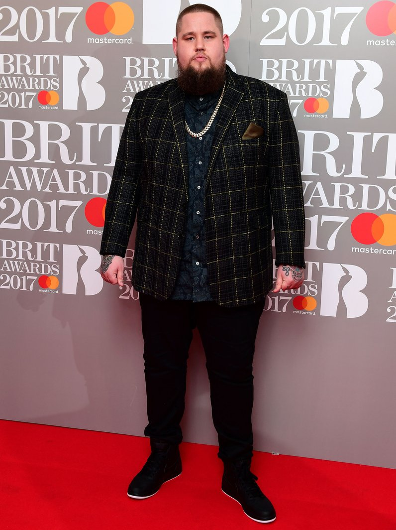 Rag n Bone Man Red Carpet Arrivals BRITs 2017