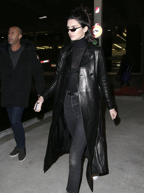 Kendall Jenner looks like she's in the Matrix in s