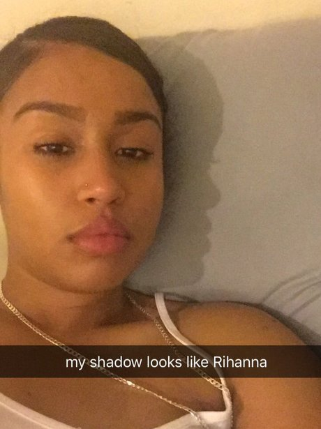A girls shadow looks like Rihanna