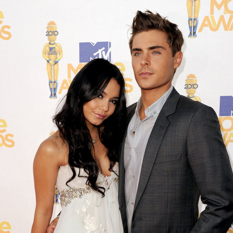 Vanessa Hudgens and Zac Efron MTV Movie Awards