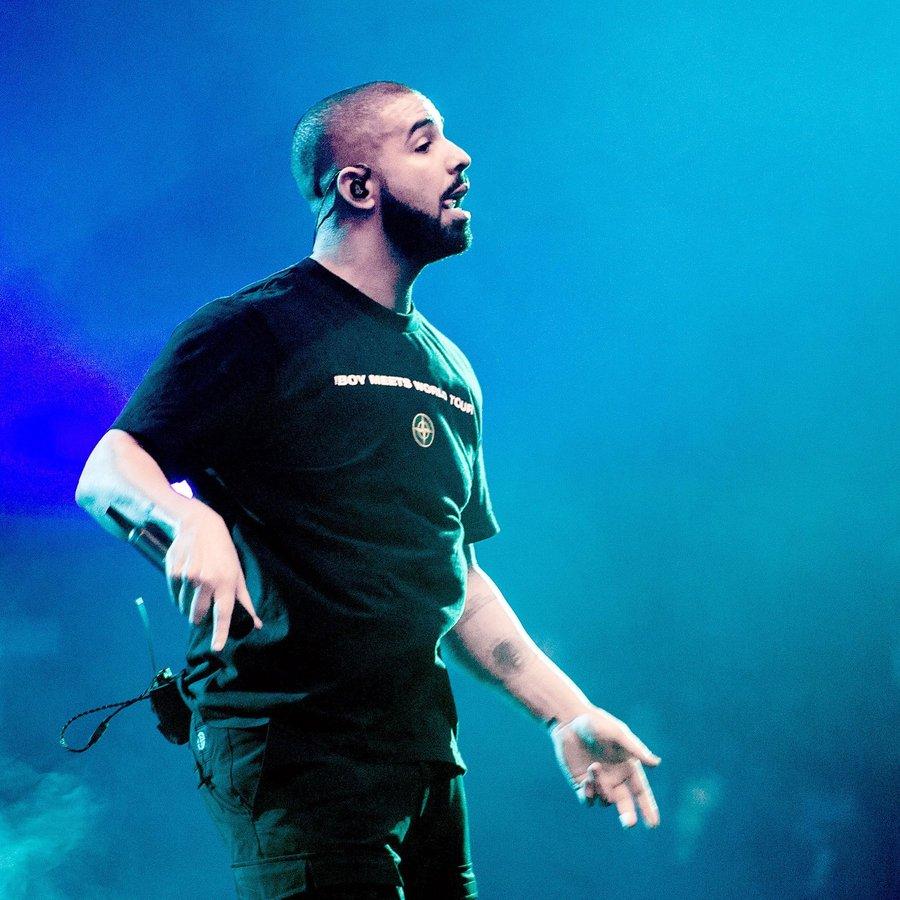 Drake Performing Live 2017
