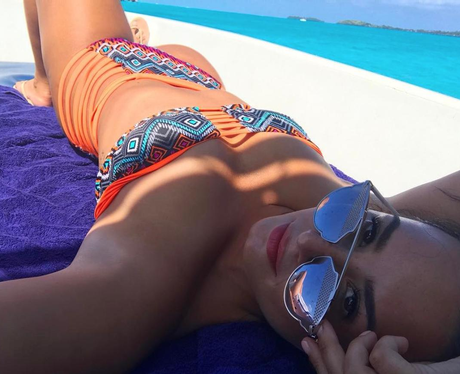Demi Lovato poses for one final bikini selfie