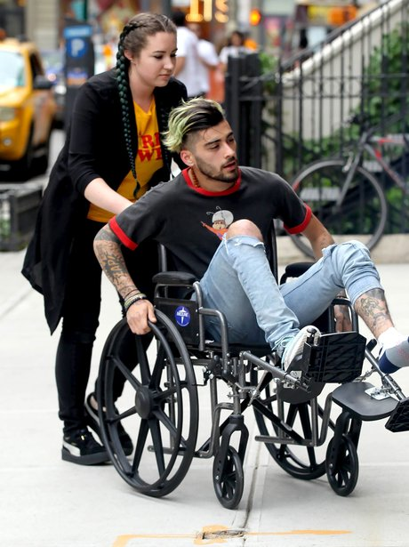 Zayn Malik is in a wheelchair and no one knows why