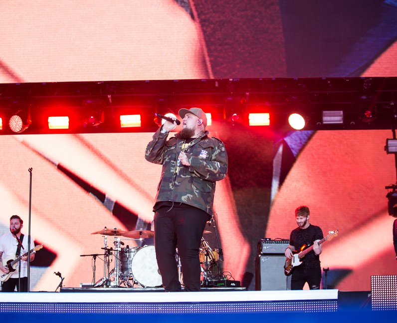 Rag N Bone at the Summertime Ball 2017