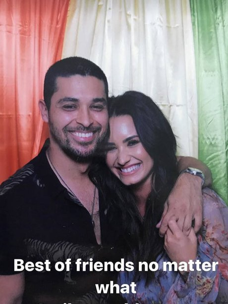 Demi Lovato cosies up to ex, Wilmer