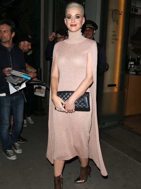 Katy Perry was spotted dining at one of Paris' fin