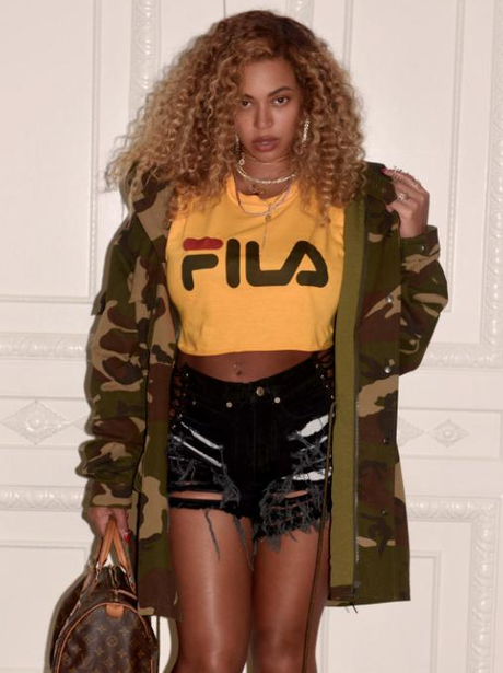 Beyonce shows off post baby body as she heads to K