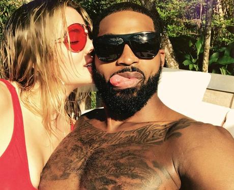 Khloe Kardashian posts loved up selfie with boyfri