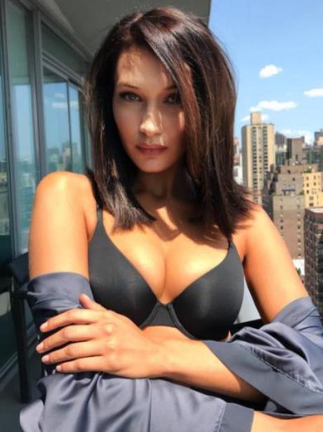 Bella Hadid Instagram 2017