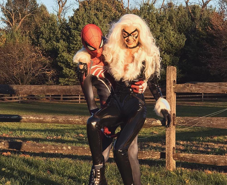 Gigi Hadid & Zayn Malik Dress Up For Halloween