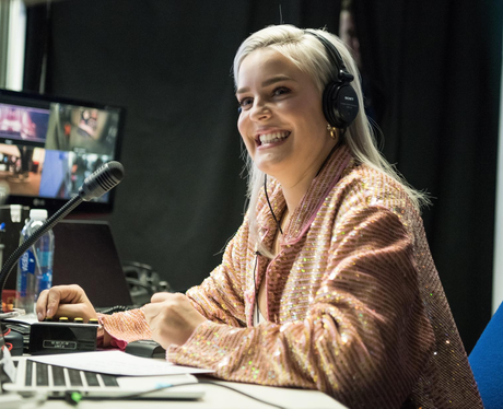 Anne-Marie jingle bell ball 2017 backstage